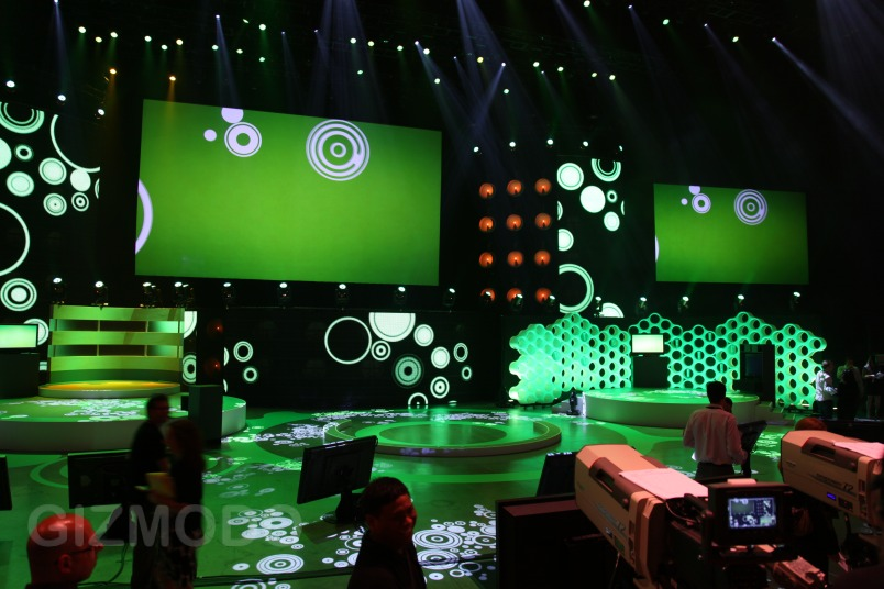 microsofts_e3_2009_keynote_decor_Giftah